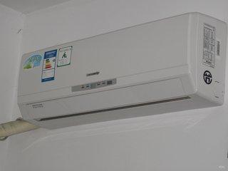 变频空调的好处非常的多,有自动调节功率等功能
