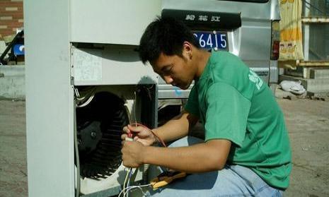 美白勺柜式空调出风量小,制冷效果差维修服务案例