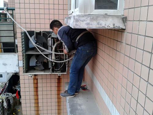 美迪KFR-51LW/B柜式空调压缩机冷冻油变为绿色